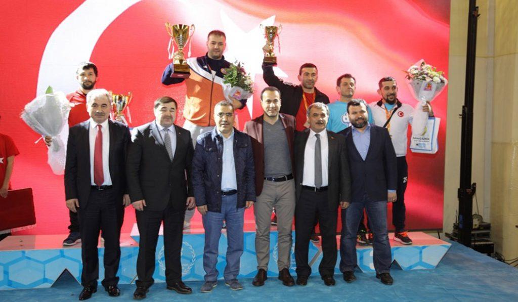 Büyük erkekler grekoromen Türkiye şampiyonası sona erdi